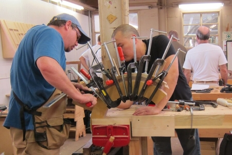 Instruction on Bending Clamps at the Southwest School of Woodworking