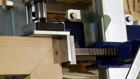 Barth Multipress Clamping a Mitered Corner