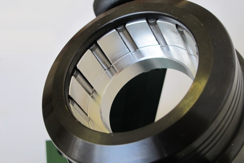 Auto-Locking System on CNC Demount Stand